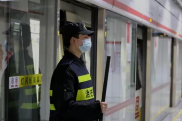 """为 """"单双号限行""""出门发愁?郑州地铁加密开行频次"""