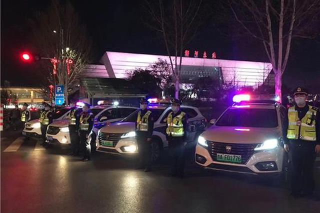 郑州严打非法营运和超限超载行为 一晚上查扣违法车辆22台