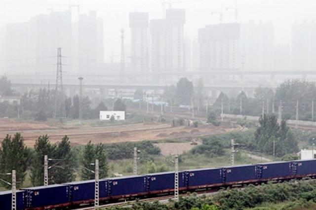 """河南加快运输结构调整 推进铁路专用线""""进企入园"""""""