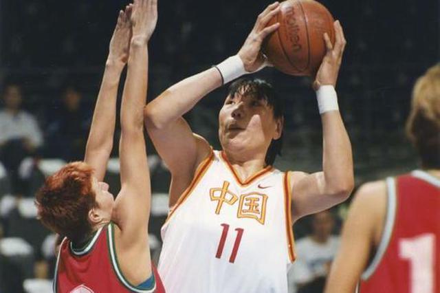 河南老乡郑海霞——入选2021年国际篮联名人堂