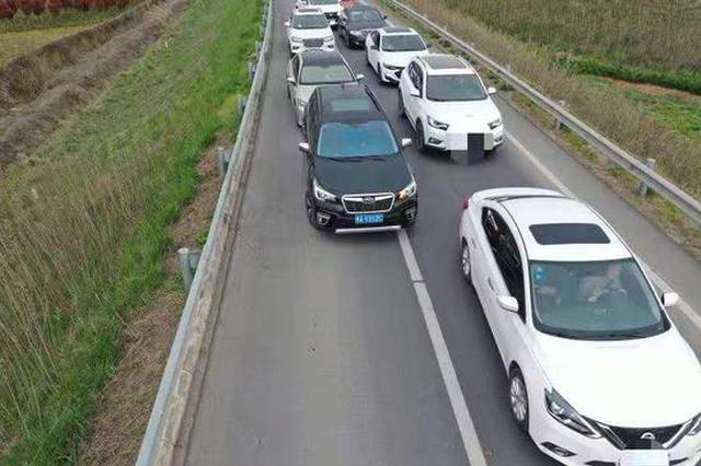 郑州机场高速投用无人机!清明抓拍占用应急车道车辆350台