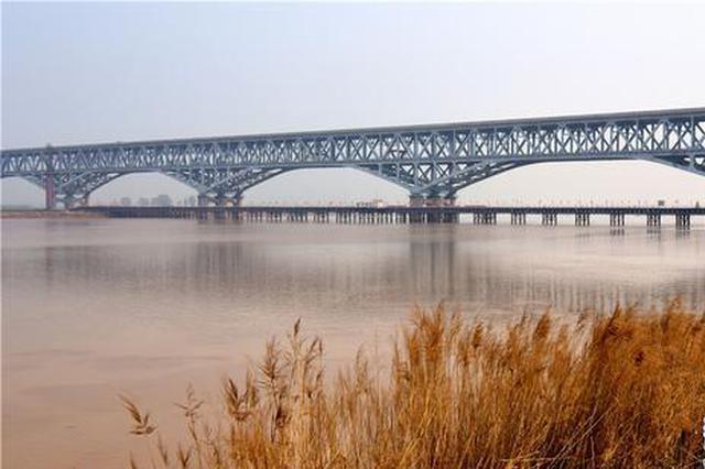 鄭濟鐵路鄭州黃河特大橋建設進展順利