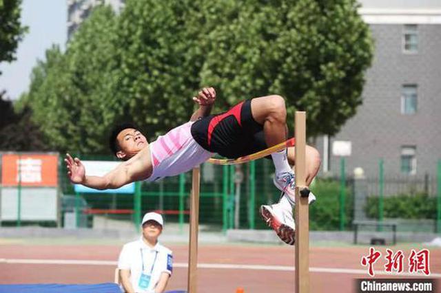 河南省大学生田径运动会开幕 逾百所高校代表团参赛(图)