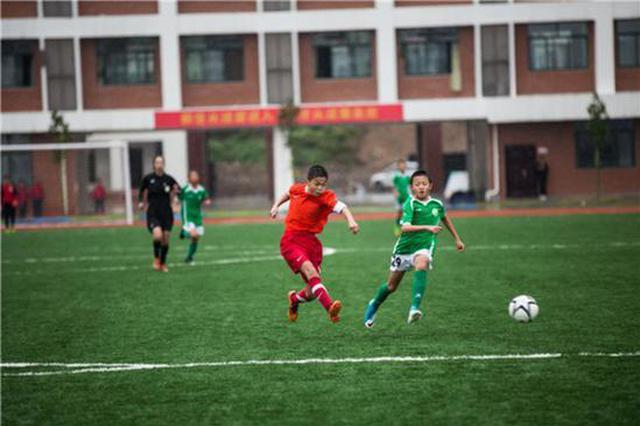 连续两年大满贯!郑州金水区在全国校园足球领奖台上璀璨夺目