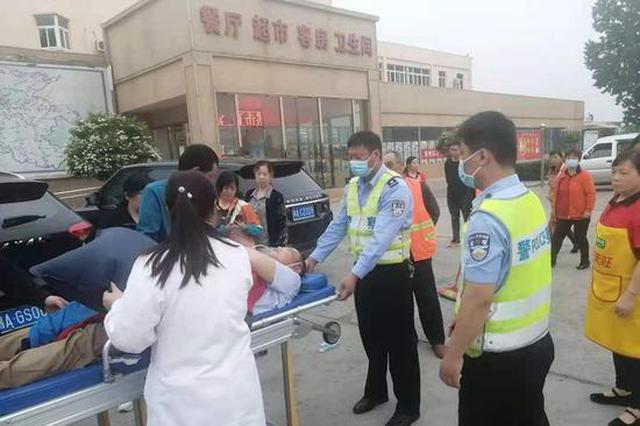 七旬老人行车途中突感身体不适 开封高速民警紧急救助