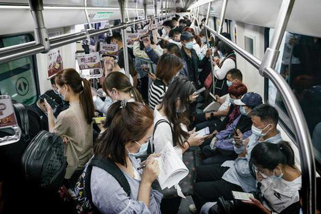 坐地铁看郑州 每一个瞬间都有故事(图)