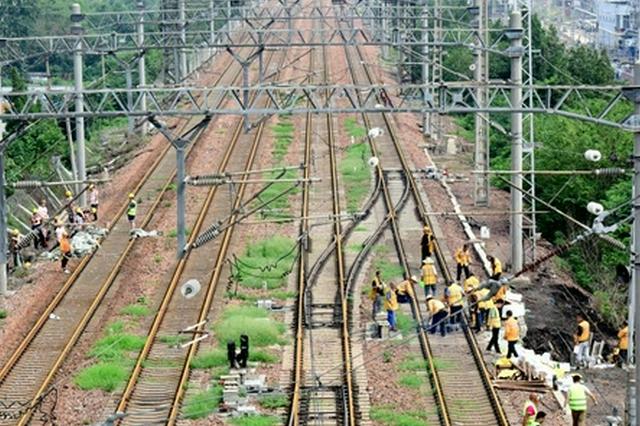 郑州站铁路抢修(图)