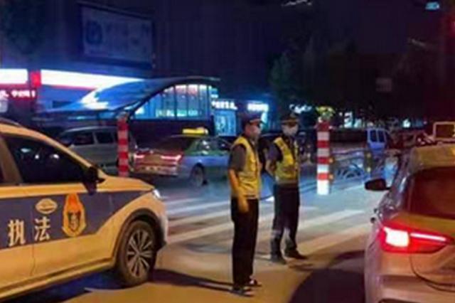 群众举报有出租车司机趁水灾捞黑钱 郑州执法部门:罚你没商量