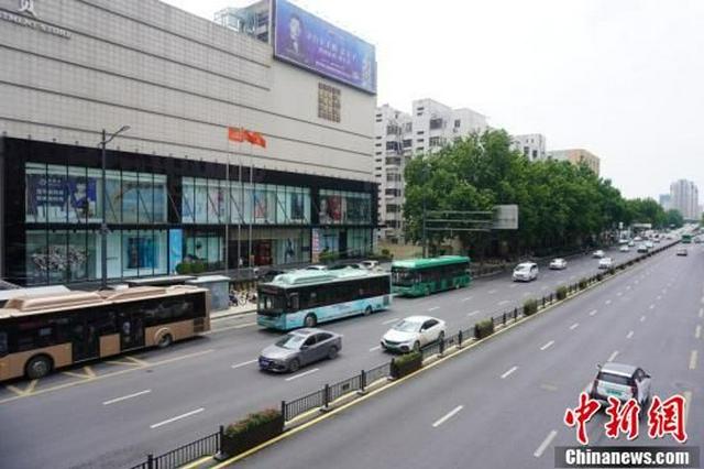 郑州公交可免费乘坐一个月(图)