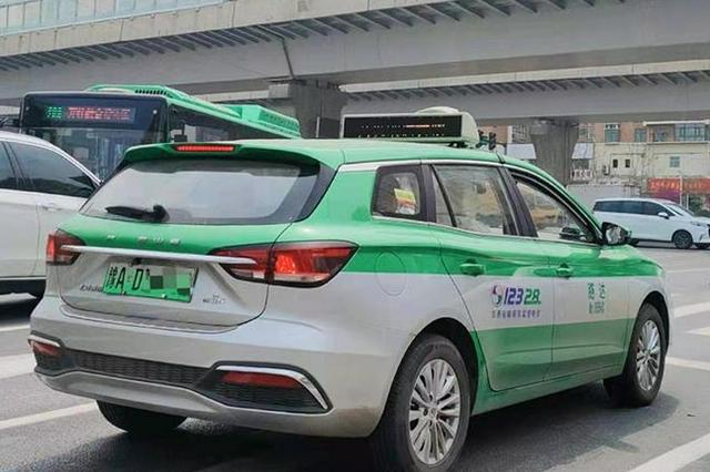 郑州市区内乘坐出租车需扫码健康信息登记