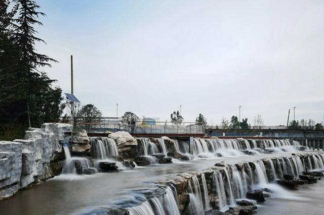 郑州西流湖公园积极推进灾后重建 欢迎市民秋季赏景