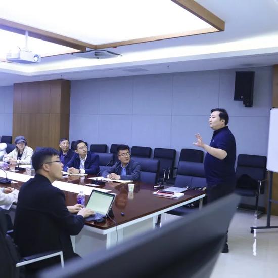 教育集团副总经理赵飞对年度联动工作进行宣贯
