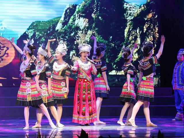 郑州西亚斯学院举办第十八届访校日活动