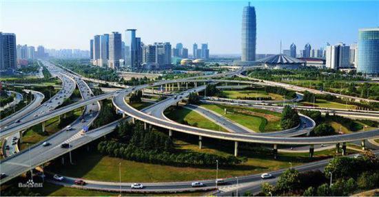 [九座国家中心城市建设形成三个梯队 郑州处于第三梯队发展潜力巨大]