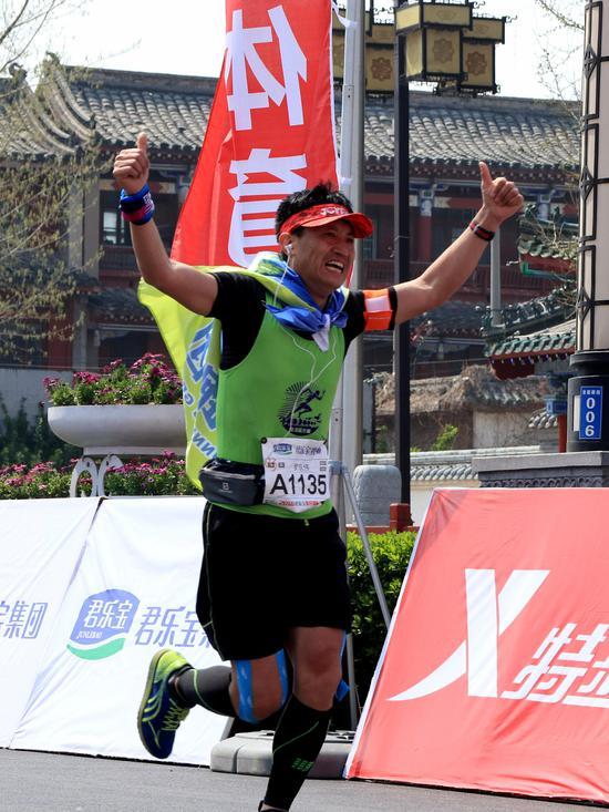 作者:韵动中国·2018君乐宝郑开国际马拉松赛注册大学生记者 李依宁