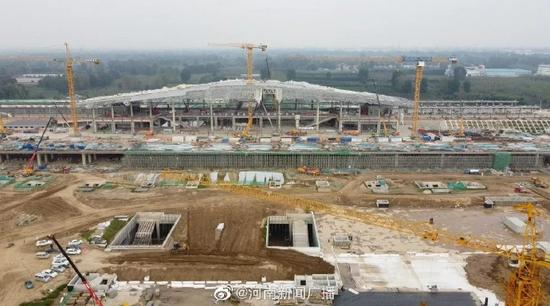 郑济高铁濮阳东站站房主体结构完工