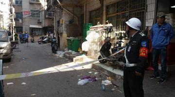 胶管脱落致天然气泄漏 紧急疏散居民