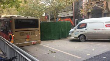 郑州黄河路经七路路面塌陷