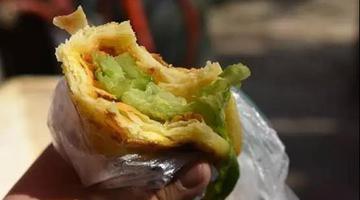 在郑州卖了24年的鸡蛋灌饼老店