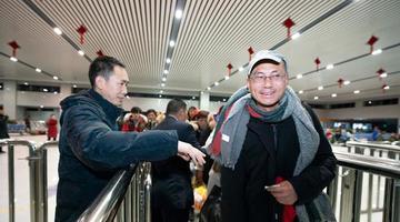 信阳火车站改扩建完工 老站换新颜