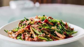 城东路上开了三十多年家常老豫菜
