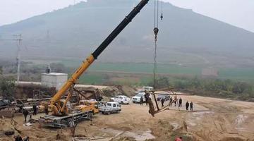 唐河县强制拆除清理违规洗沙场