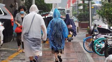 郑州午后突降大雨
