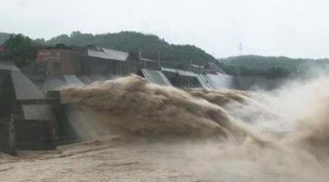 小浪底水库拦蓄洪水减下游防汛压力