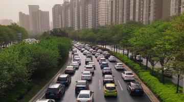 """""""城市大脑""""为郑州交通治堵"""