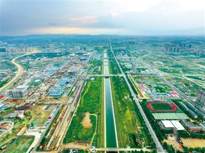 穿过郑州的南水北调工程 记者 王秀清 图