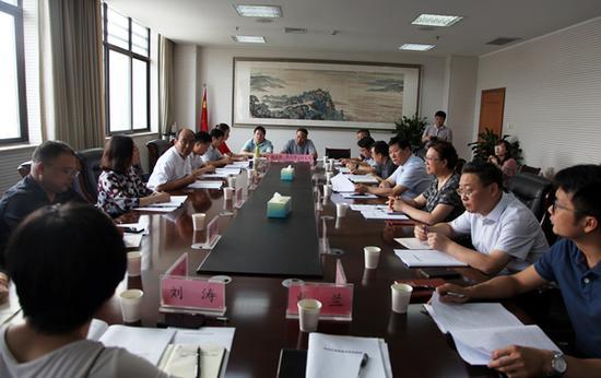 7月3日上午,民进省委常委、民进郑州市委主委赵学庆一行