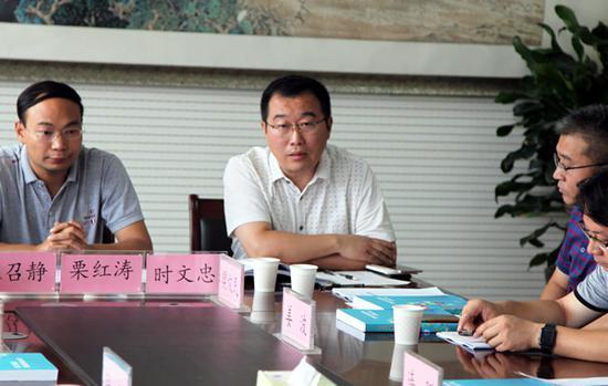 郑州31中副校长时文忠汇报学校教育信息化
