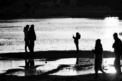 暖冬里,郑州美丽的龙湖夕照。记者平伟摄影