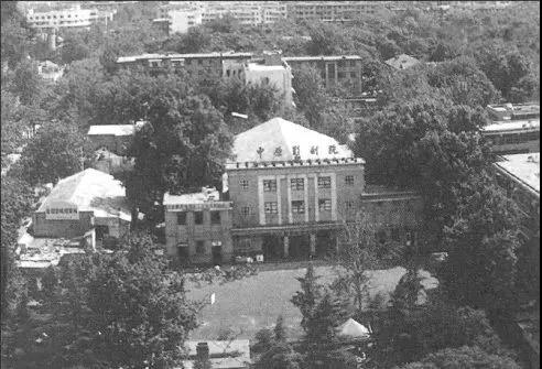 2011年影院拆除。