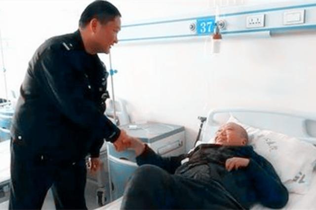 暖心!新乡民警火灾中背出被困5楼的残疾老人