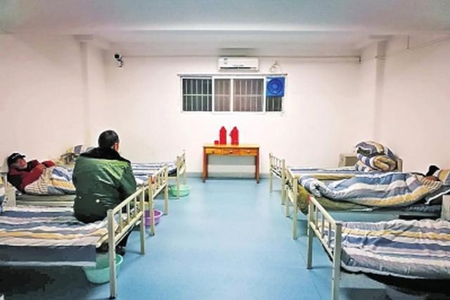 冷了饿了 来救助站吧!郑州初雪夜约50人获救助