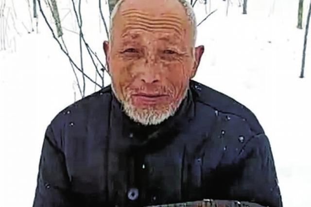 开封老人走失7年 子女呼吁:看见他 请先给他一床被子