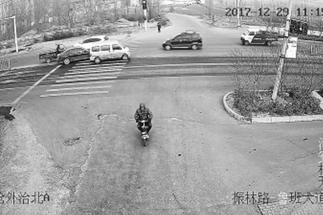 林州男子盗窃成功笑得合不拢嘴 表情夸张被民警锁定