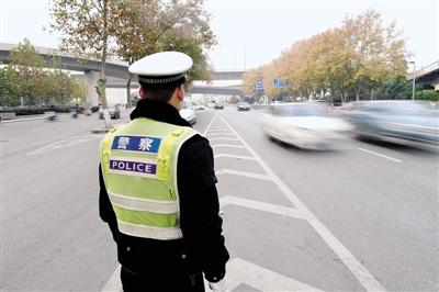 河南18地市限行 专家:实行限行措施减少污染