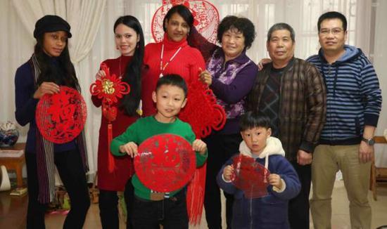 漯河小村迎来45名外国留学生