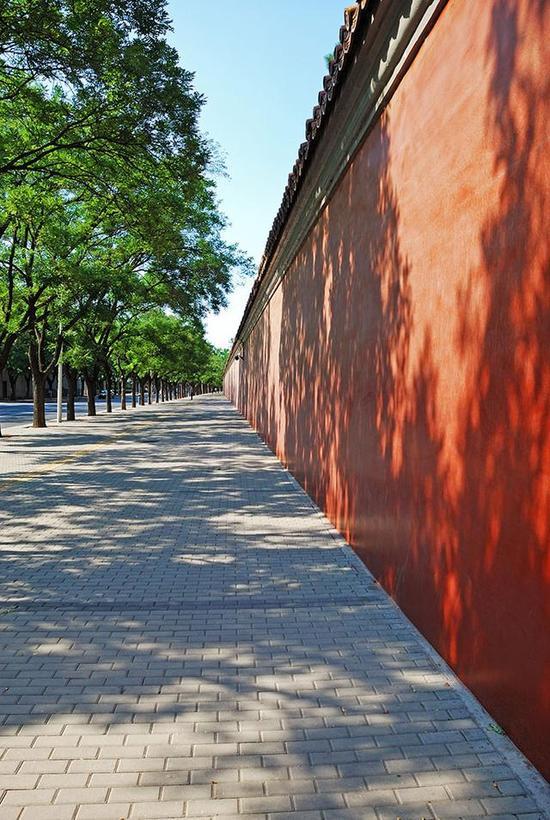 北京故宫城墙。