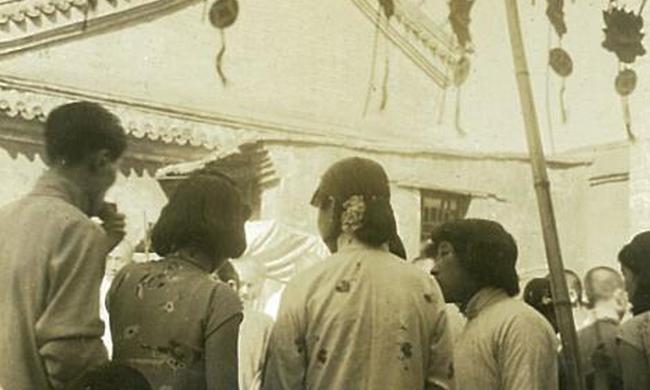 老照片:80年前北平人过中元节