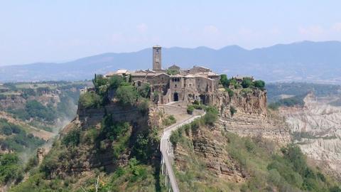 《天空之城》原型是意大利巴尼奥雷焦