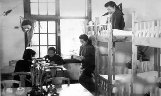 民国时期女大学生的宿舍生活