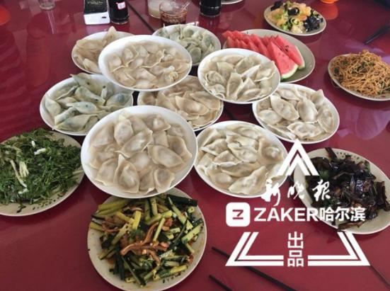 哈师大毕业季:学校手工包12万个饺子请学生免费吃
