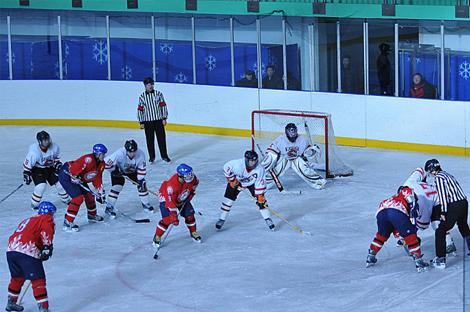 全国男子冰球联赛第一站