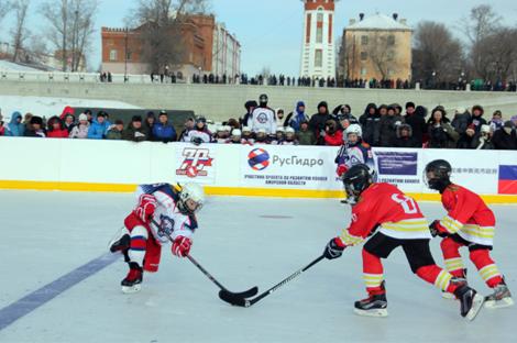 中俄界江国际冰球友谊赛