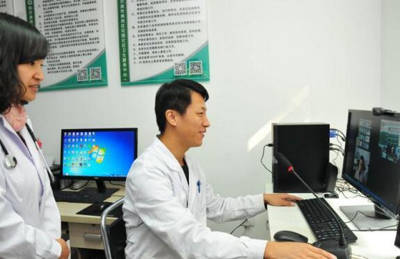 哈医大专家24小时帮助哈尔滨这个小区患者守护心脏