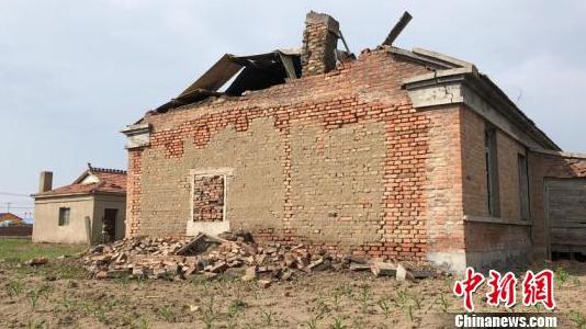 吉林松原5.7级地震:逾千户民房受损 危房群众已转移