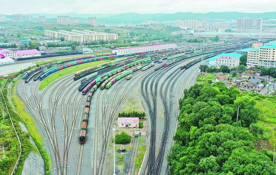 繁忙的铁路线。